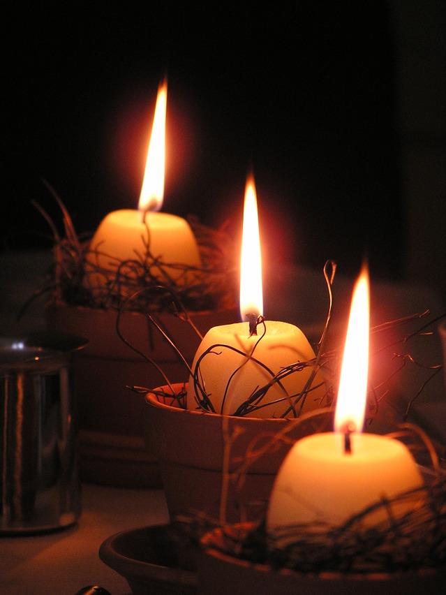 Świece, lampiony, świeczniki – czyli o dekoracjach mieszkania