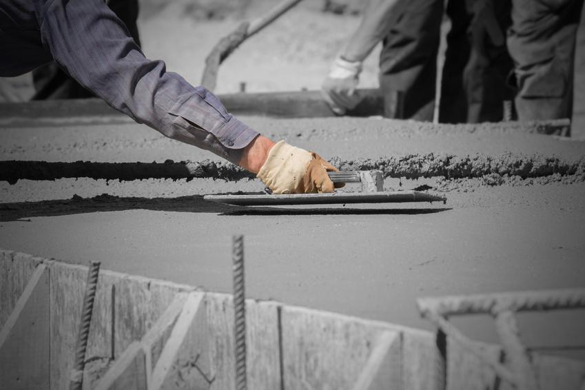 Dlaczego należy dbać o betonowe elementy domu?